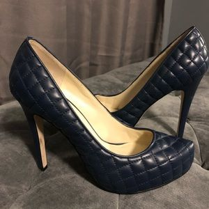 Preowned  BcBg Pumps